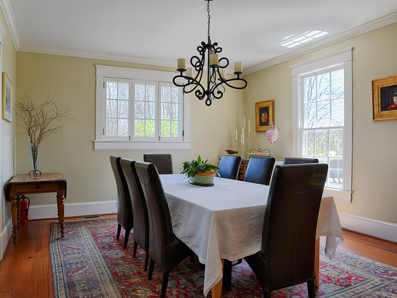 Dining room in Virginia farmhouse